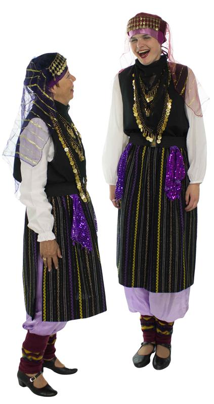 Turks kostuum gebruikt voor demonstratiegroep grad na more